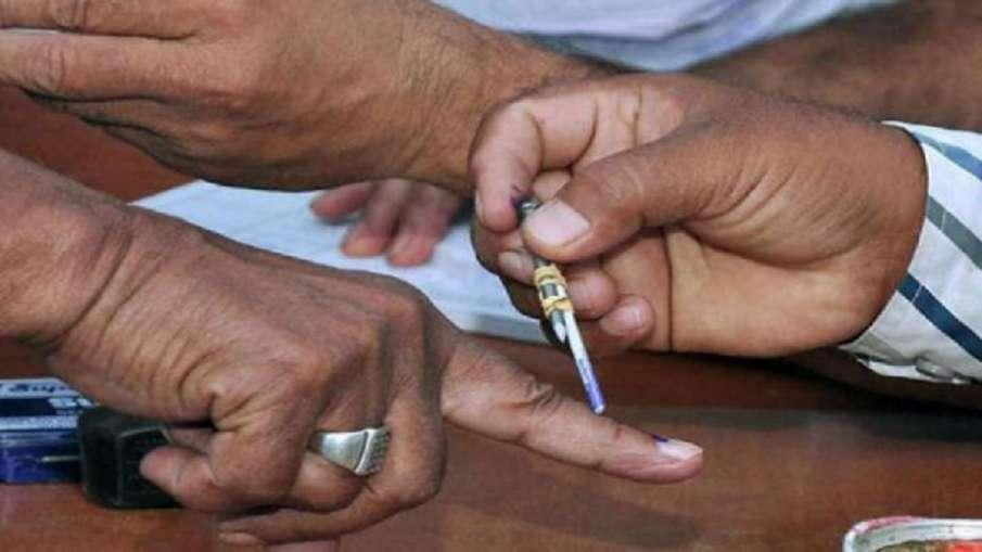 जम्मू-कश्मीर DDC चुनाव: पहले चरण की 43 सीटों पर मतदान जारी- India TV Hindi