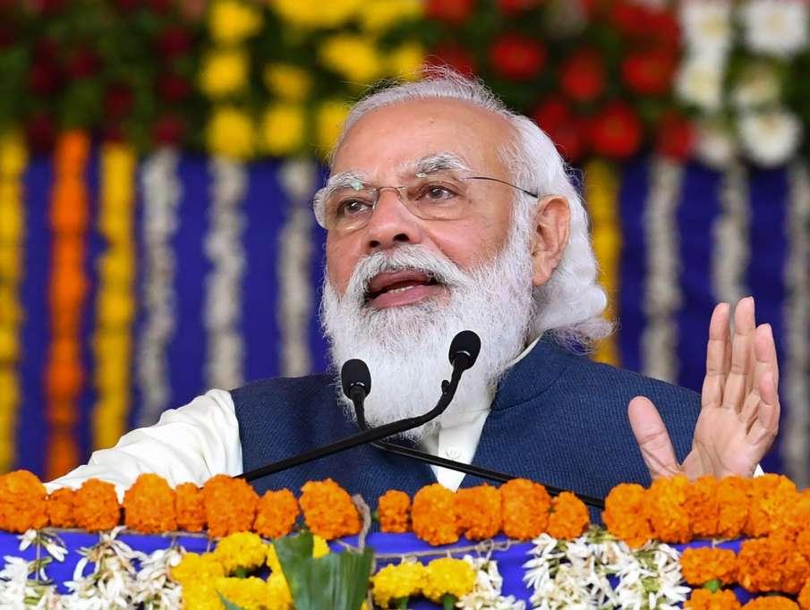 मोदी ने कच्छ के रण में की चहल कदमी, सांस्कृतिक कार्यक्रम में लिया हिस्सा- India TV Hindi