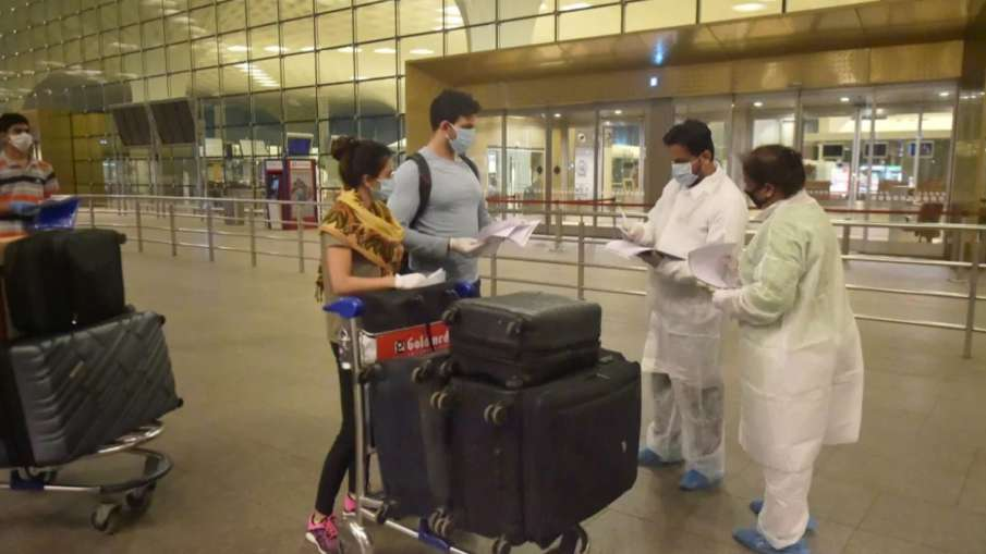 RT-PCR test on arrival, separate isolation for COVID positive cases: Centre's SOPs for UK flyers- India TV Hindi