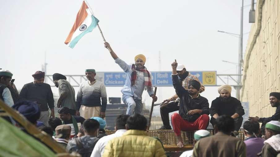 सैकड़ों की संख्या में किसान चिल्ला बार्डर पर जमे, जंतर-मंतर पहुंचने पर अड़े - India TV Hindi