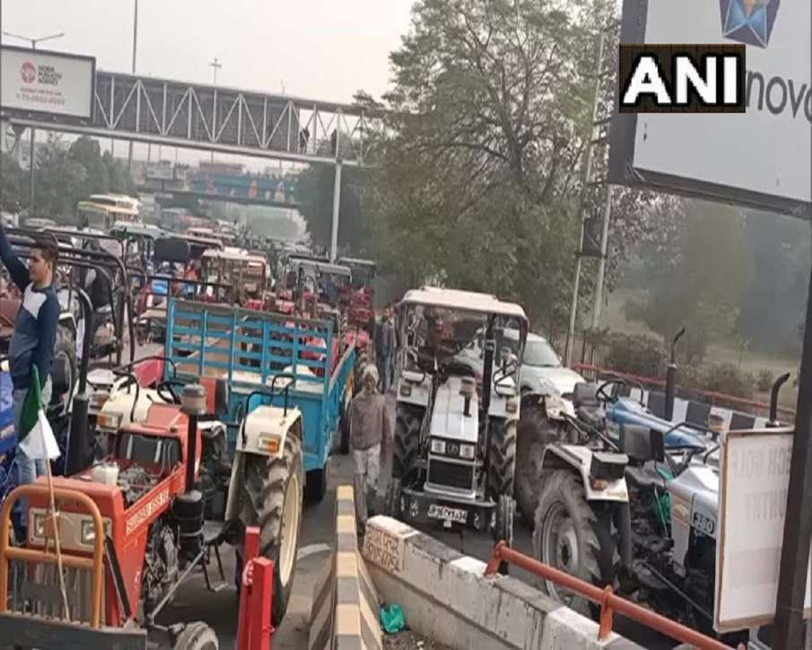 Road traffic disrupted amid demonstration by farmers supporting new farm laws- India TV Hindi