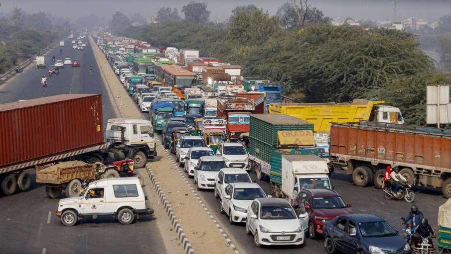 Plea in Supreme Court seeks removal of farmers protesting at Delhi borders- India TV Hindi