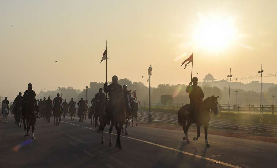 R-Day parade likely to be shorter, to have smaller marching contingents and fewer spectators- India TV Hindi