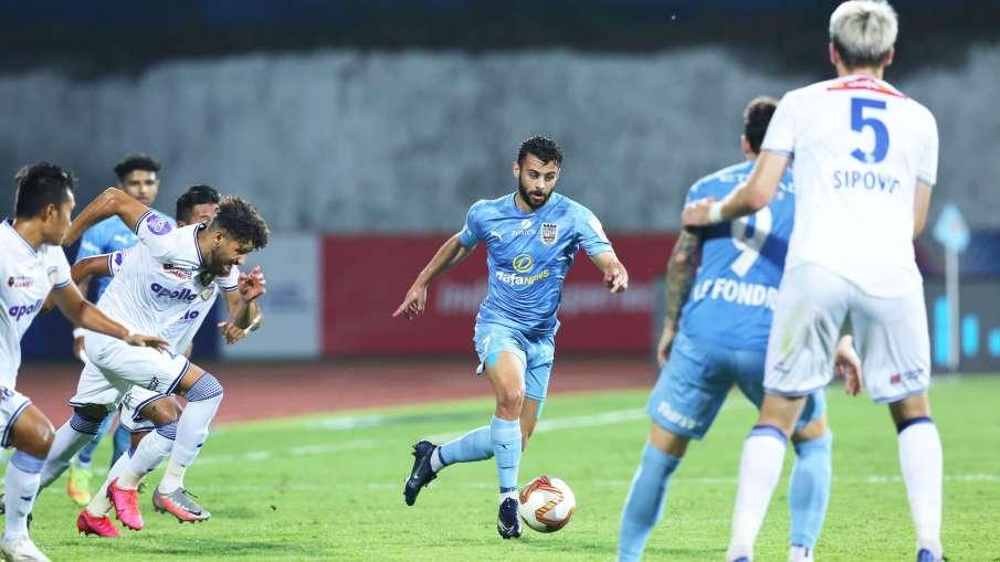 Mumbai City FC consolidate their position at the top by beating Chennaiyin- India TV Hindi