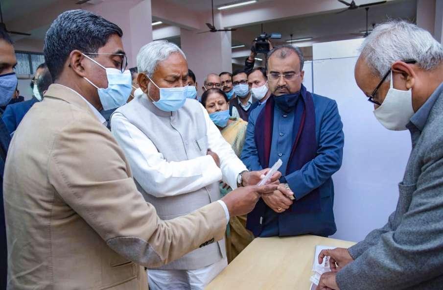 यूपी विधानसभा चुनाव में ताल ठोकने की तैयारी में नीतीश की जेडीयू, कर्पूरी ठाकुर की जयंती पर होगा ऐलान- India TV Hindi
