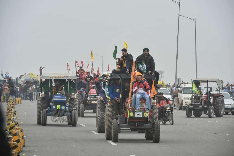 Farmers Protest: किसानों ने ट्रैक्टर रैली निकालकर दिखाई 'ताकत', कहा- '26 जनवरी की तैयारी है'- India TV Hindi