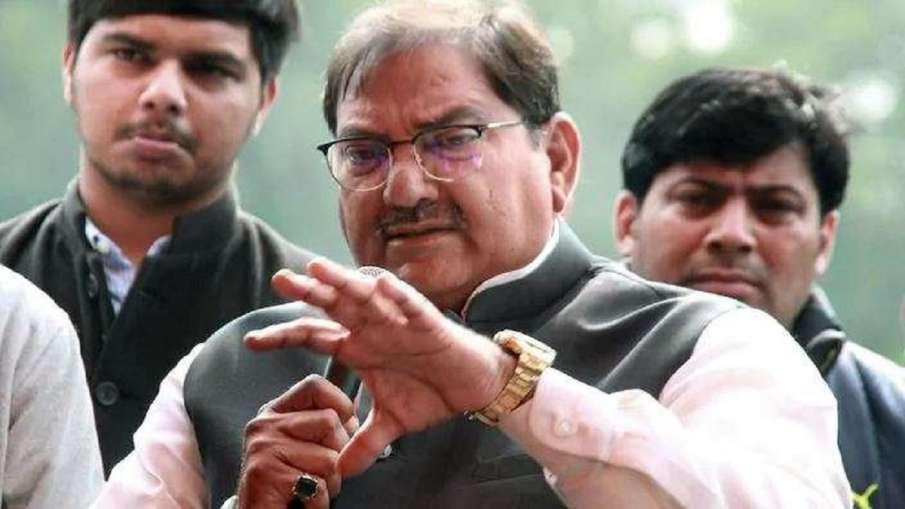 राकेश टिकैत के समर्थन में नेताओं का पहुंचना जारी, अभय चौटाला भी पहुंचेंगे गाजीपुर बॉर्डर- India TV Hindi