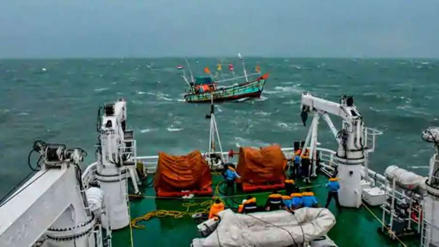 Indian Fishing Boat Sinks, Indian Boat Sri Lankan Navy, Sri Lankan Navy, Sri Lankan Navy Ship- India TV Hindi