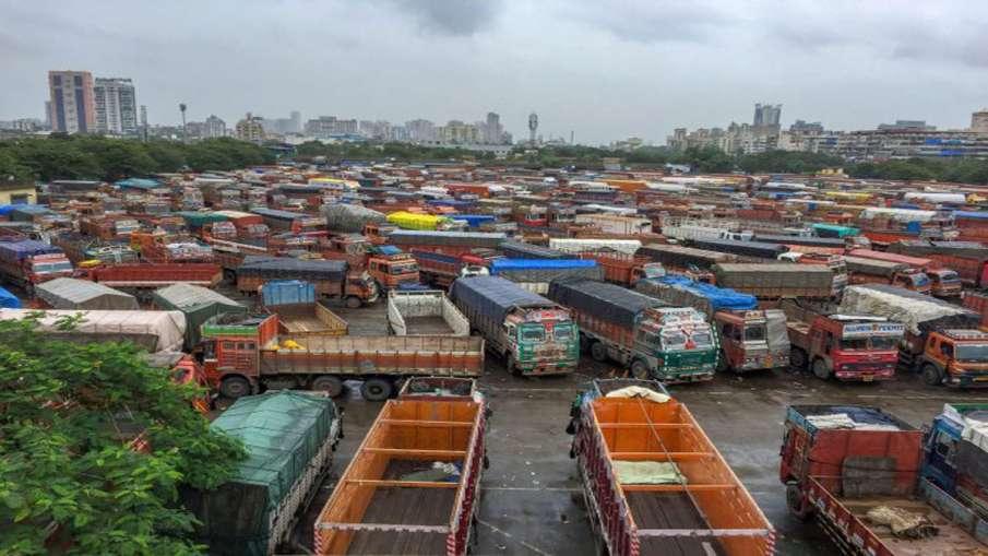 वाहन मालिकों के लिए खुशखबरी, यहां कमर्शियल वाहनों का 63 दिन का रोड टैक्स माफ- India TV Hindi
