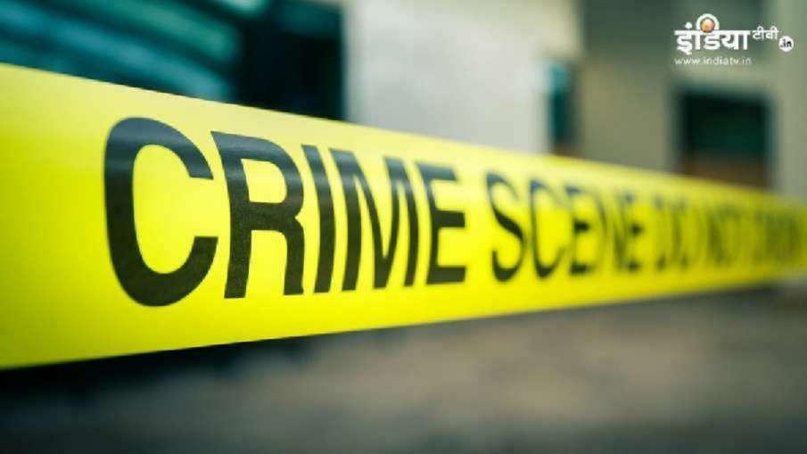 मऊ में शख्स की हत्या के बाद हिंसा भड़की, भीड़ ने की आगजनी- India TV Hindi
