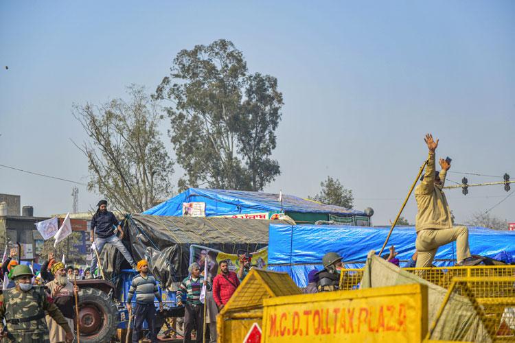 किसानों के समर्थन...- India TV Hindi