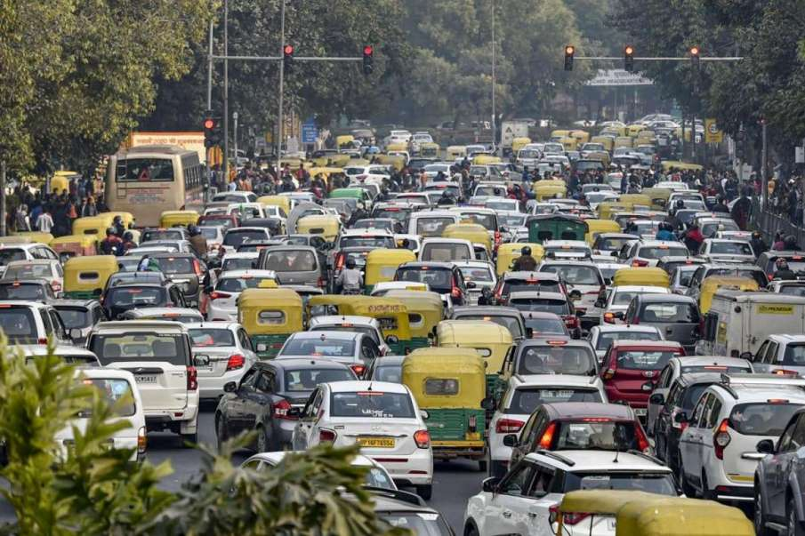 Delhi Traffic Update: Traffic Police issue advisory after farmers' tractor rally turns violent- India TV Hindi