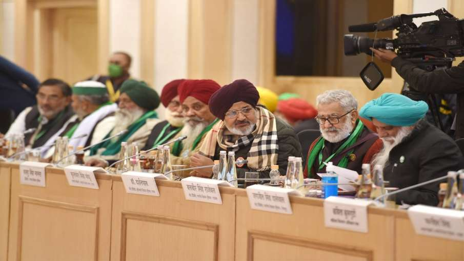 किसान आंदोलन पर हो सकता है बड़ा फैसला, सरकार के प्रस्ताव पर किसान नेताओं की बैठक आज- India TV Hindi