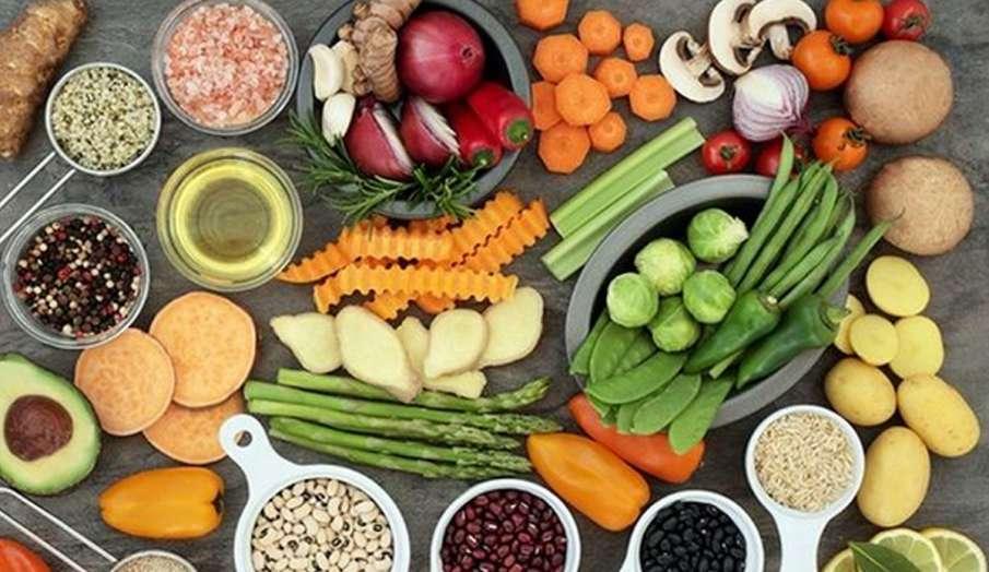 डाइट में जरूर शामिल करें ये 10 फल और सब्जियां, इम्यूनिटी बूस्ट होने के साथ हमेशा रहेंगे हेल्दी - India TV Hindi