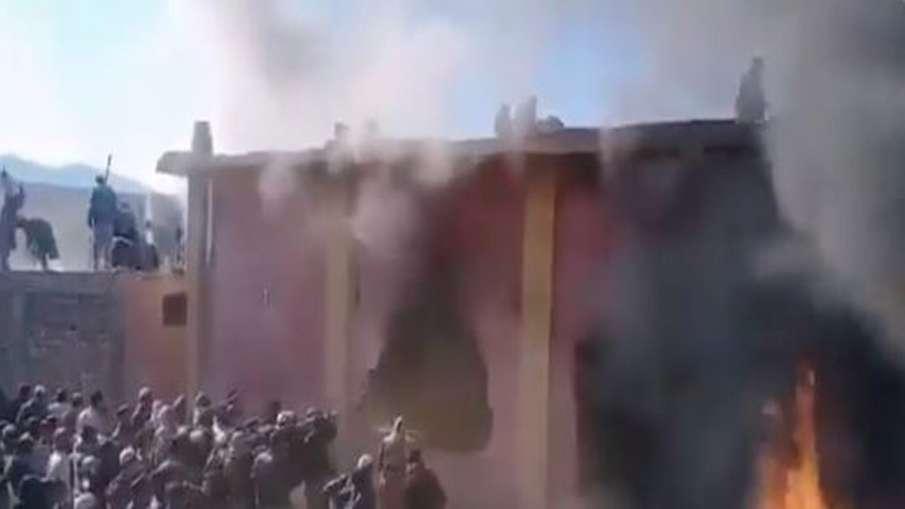 'अल्लाह-ओ-अकबर' का नारा लगा तोड़ा था हिंदूओं का मंदिर, अब पुलिस ने किया यह काम- India TV Hindi