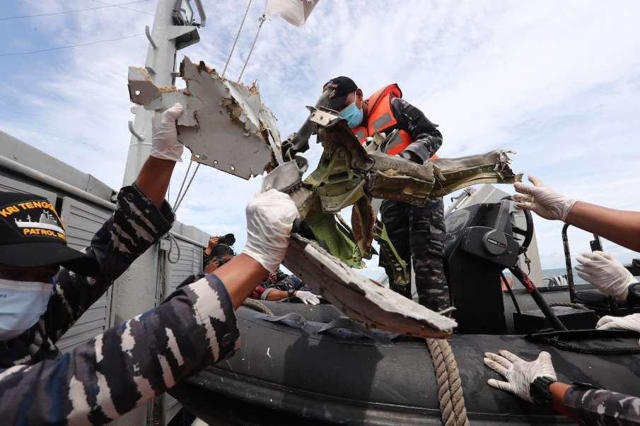 Indonesia recovers first black box from crashed plane- India TV Hindi