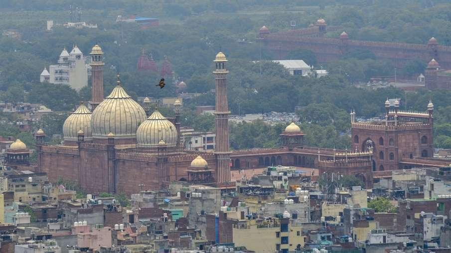 बारिश और तेज हवा ने दिल्ली वालों को एयर पॉल्यूशन से दी राहत, AQI में आया सुधार- India TV Hindi
