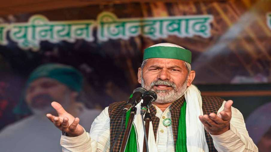 राकेश टिकैत की आंखों में आंसू देखकर फिर जुटे किसान, आंदोलन में आई नई गति- India TV Hindi
