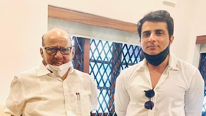 सोनू सूद ने की NCP चीफ शरद पवार से मुलाकात, BMC ने भेजा है अवैध निर्माण का नोटिस- India TV Hindi