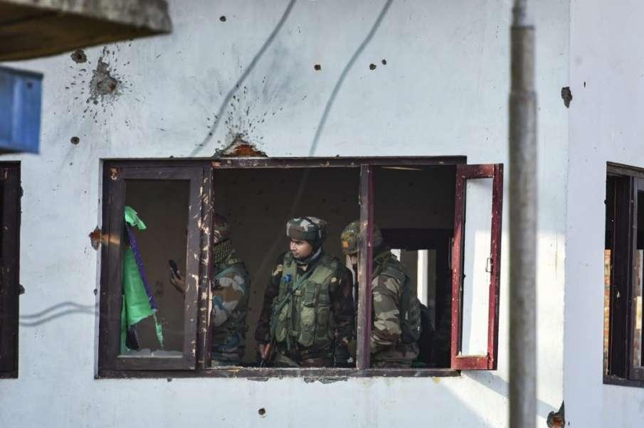 Families seek bodies of three 'militants' killed in Srinagar encounter- India TV Hindi