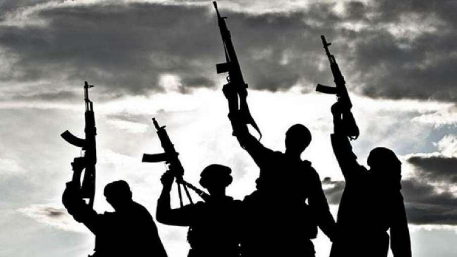 terrorists attack buses in syria kills nine  आतंकवादियों ने बसों पर हमला किया, नौ लोगों की मौत- India TV Hindi