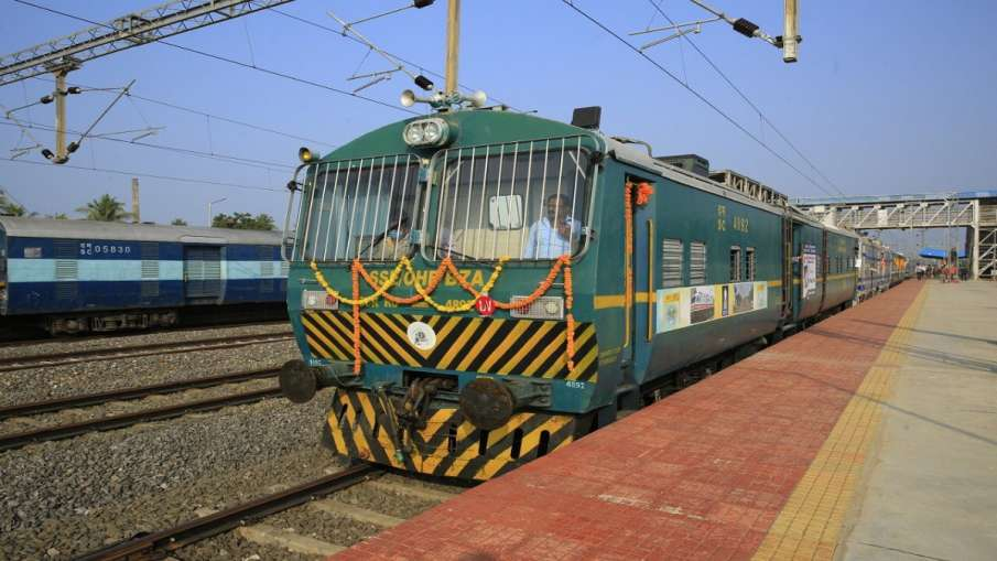 new train list central railway mumbai cst kolahpur sikandrabad huzur sahib nanded pune pratapgarh hu- India TV Hindi