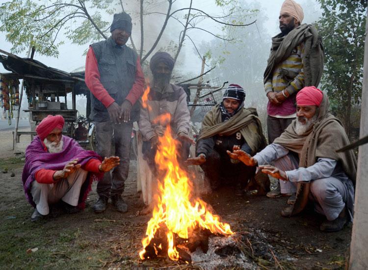 दिल्ली में गलन वाली...- India TV Hindi