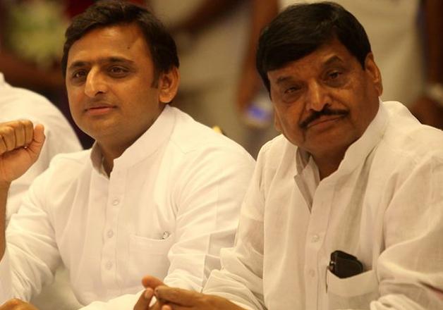 UP Elections 2022: अखिलेश के साथ...- India TV Hindi