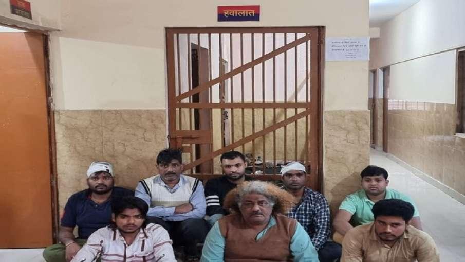 चाट के लिए ग्राहक को लेकर भिड़े दो दुकानदार, 8 गिरफ्तार- India TV Hindi
