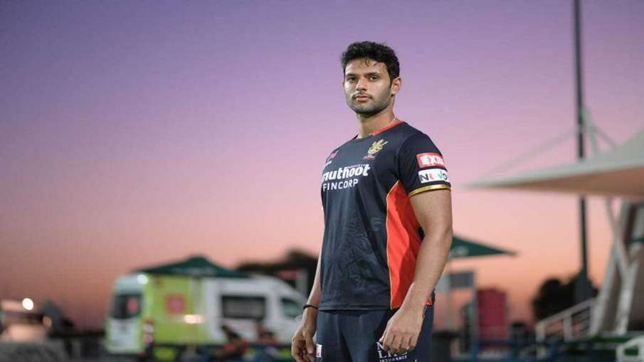Shivam Dube bought for INR 4.4 crore by the Rajasthan Royals Players are being auctioned in Chennai - India TV Hindi