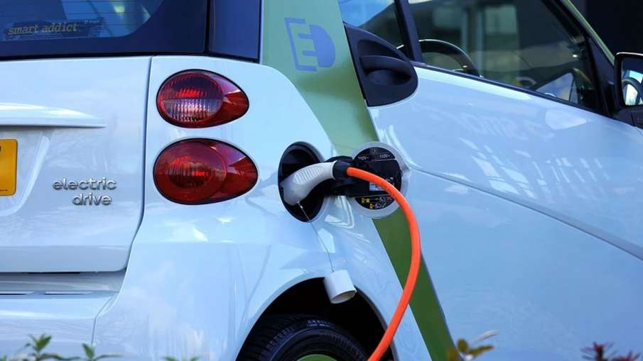 Electric Vehicles Charging Stations, Electric Vehicles Delhi, Electric Vehicles Delhi News- India TV Hindi