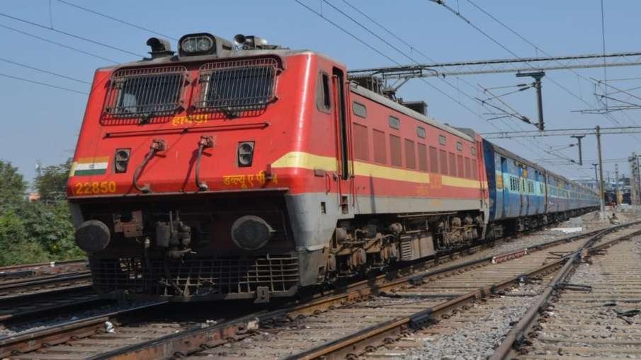 Indian Railways Mau Anand Vihar Terminal Special Express train kanpur lucknow jaunpur sultanpur  - India TV Hindi