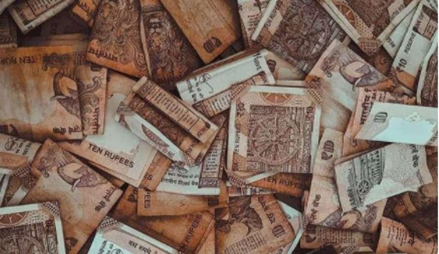 Vastu Tips: कर्ज से चाहते हैं बचना तो अपनाएं ये वास्तु उपाय, कर्ज के बोझ से मिलेगा छुटकारा   - India TV Hindi