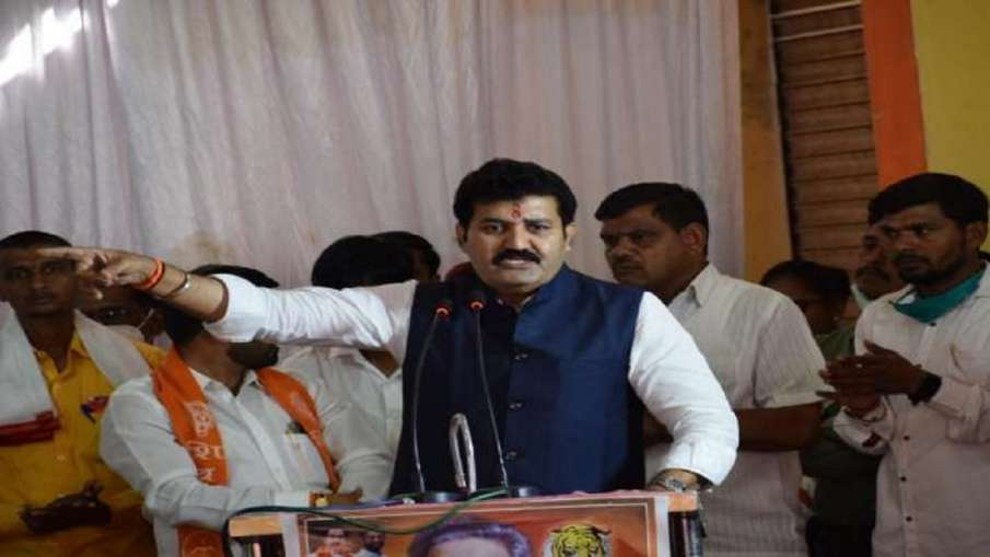 महाराष्ट्र के वन मंत्री संजय राठौड़ ने दिया इस्तीफा- India TV Hindi