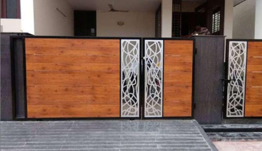 Vastu Tips: मुख्य दरवाजे में इस तरह जरूर बनवाएं छोटा गेट, मिलेगा कर्ज से छुटकारा- India TV Hindi