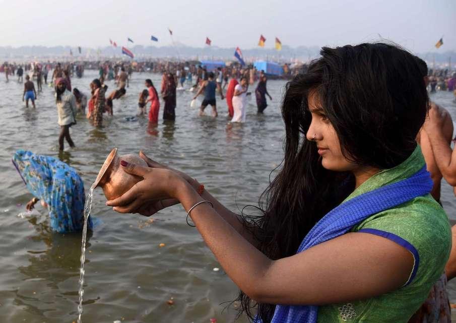 mauni amavasya 2021 on 11 february 30 lakh devotees take holy dip- India TV Hindi
