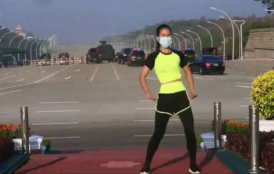 Viral Video: Aerobics Instructor Dances As Myanmar Coup Unfolds Behind Her - India TV Hindi