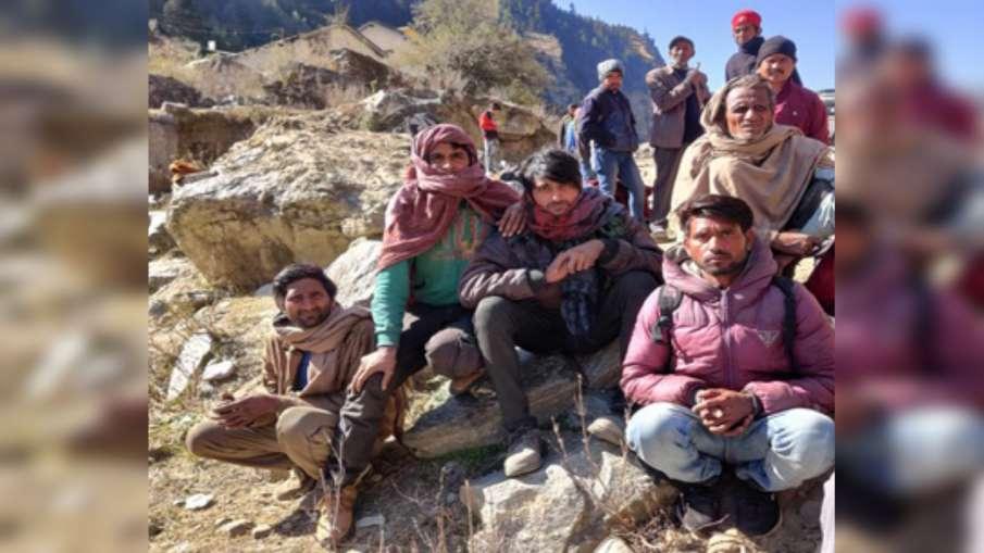 चमोली तबाही में 'लापता' हुए कई श्रमिक मिले, सुनाई आपबीती- India TV Hindi