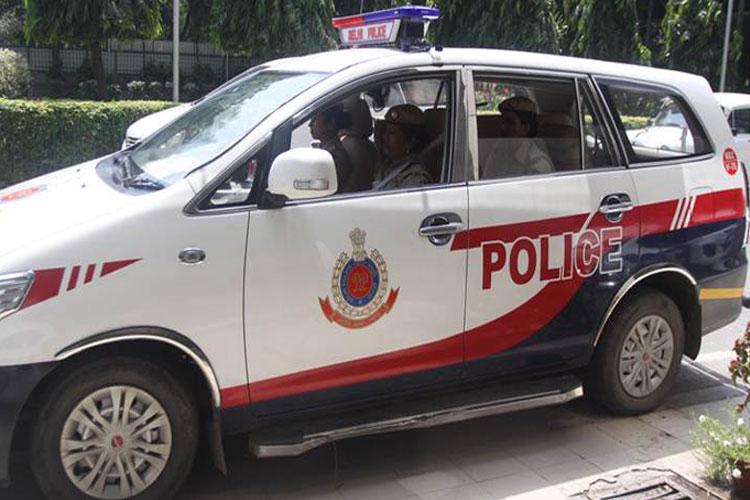 दिल्ली पुलिस के ASI ने...- India TV Hindi