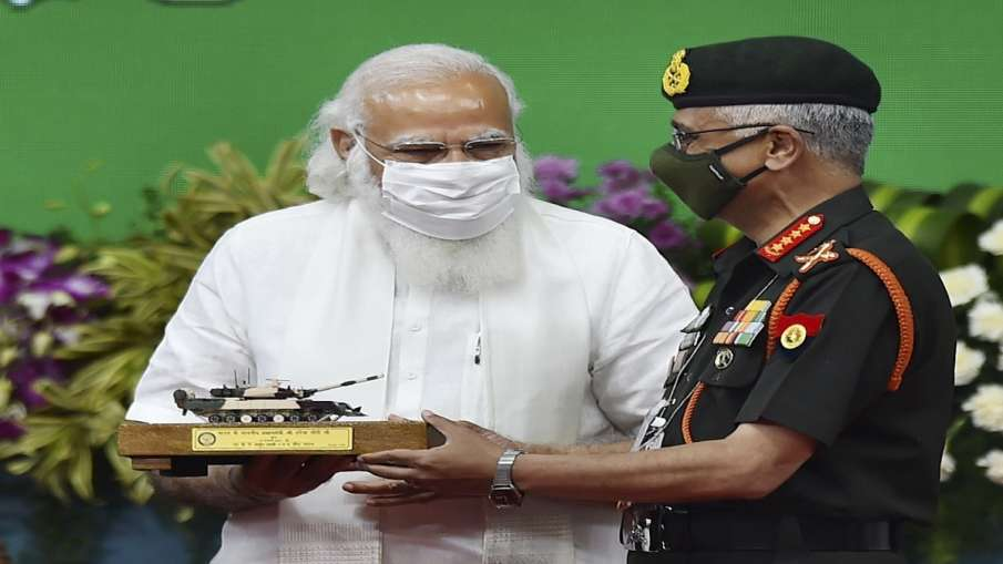 PM hands over indigenous Arjun tank to Army- India TV Hindi