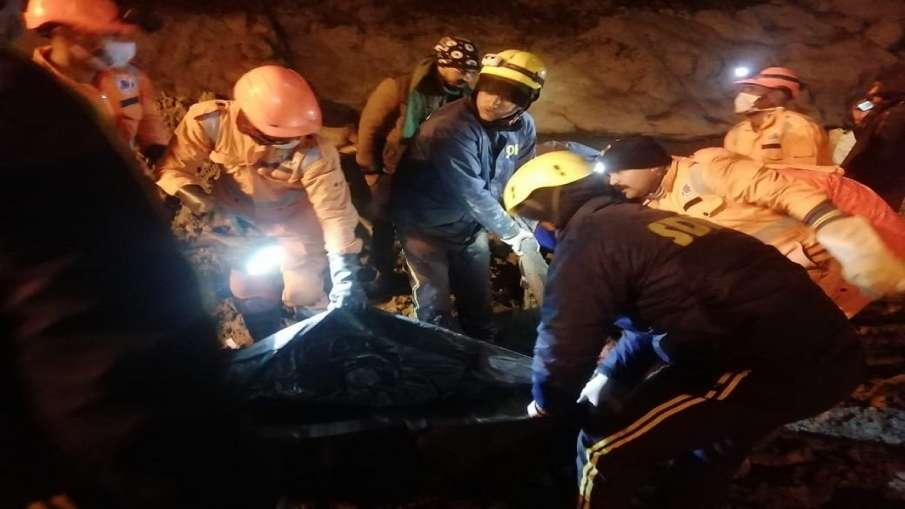 चमोली: तपोवन में सुरंग के अंदर मिले 3 शव, बचाव कार्य जारी- India TV Hindi