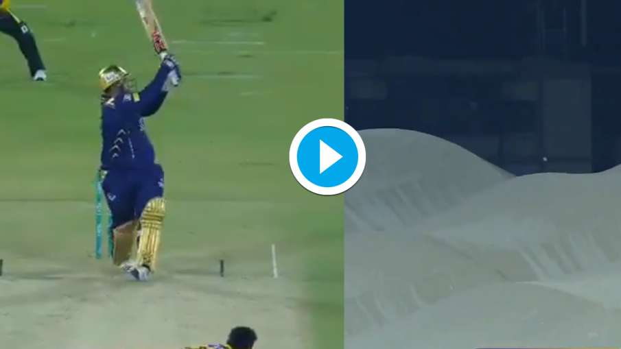 Moin Khan son Azam made a splash in PSL, reached the ground with a six off Wahab Riaz Watch Video- India TV Hindi