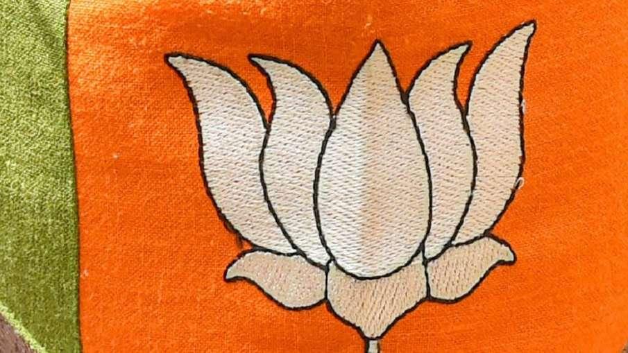 BJP MLA threatened by BJP worker यूपी के विधायक को भाजपा पदाधिकारी ने फोन पर धमकी दी- India TV Hindi