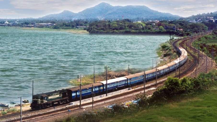 holi special trains announced by indian railway new delhi patna anand vihar lucknow gorakhpur train - India TV Hindi