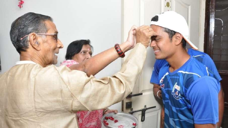 Ishan Kishan with Late Vimal Kanti Mazumdar