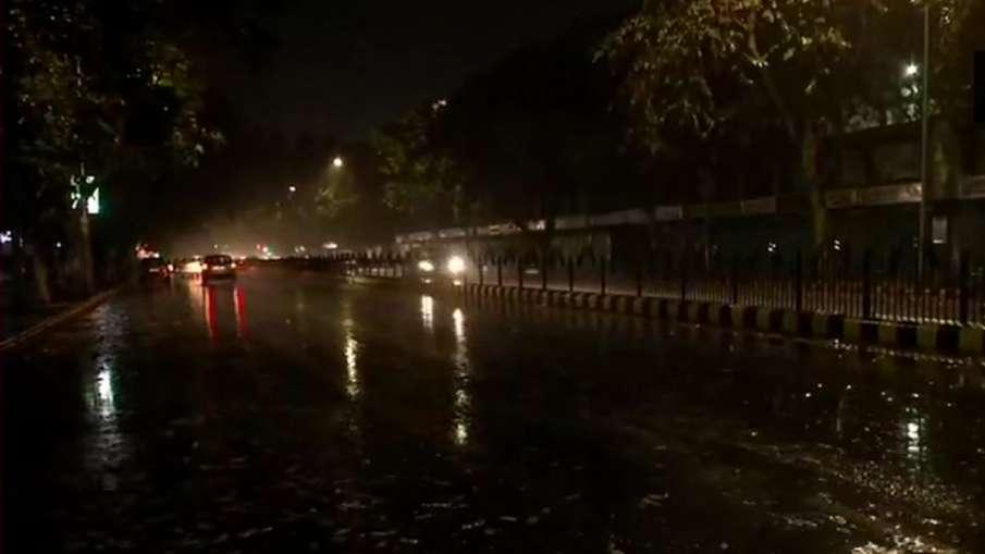 दिल्ली-NCR में बारिश, यूपी-हरियाणा के इन शहरों में भी होने की संभावना- India TV Hindi