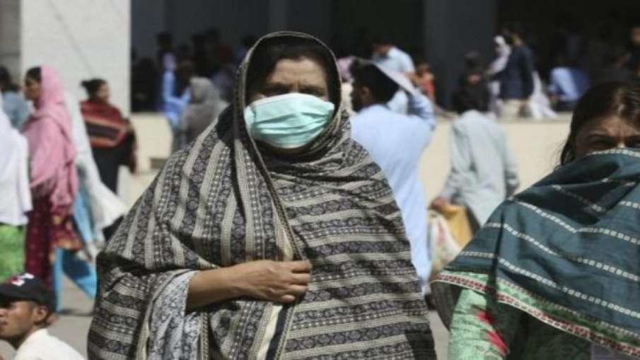 पाकिस्तान में सामाजिक जमावड़ों पर नये प्रतिबंध लगाने का फैसला- India TV Hindi