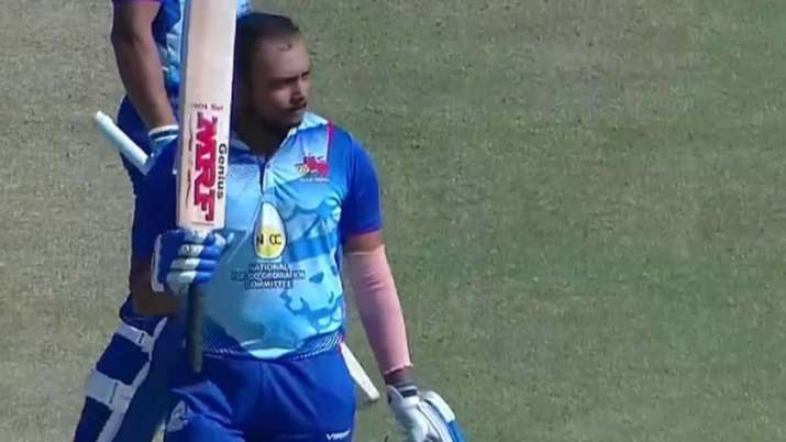 Prithvi Shaw breaks this special record of Dhoni-Kohli, game played a stormy innings of 185 runs- India TV Hindi