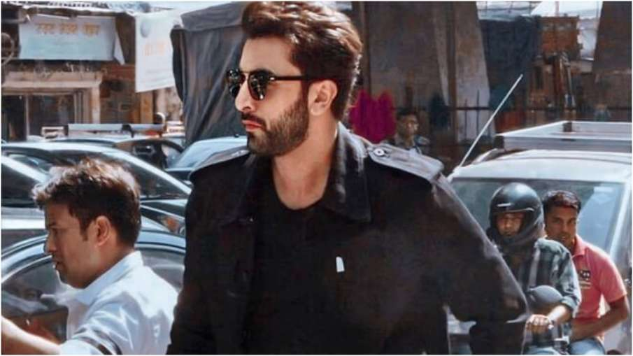 After Ranbir Kapoor's corona infection, fans on social media are wishing to get well soon- India TV Hindi