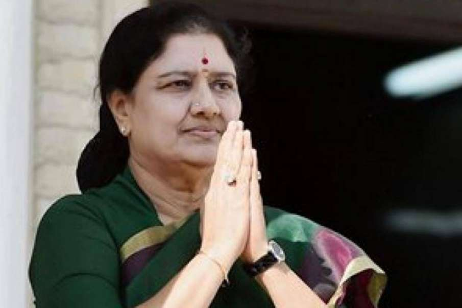Sasikala Announces to Quit Politics, Urges AIADMK to Stay United and Fight DMK- India TV Hindi